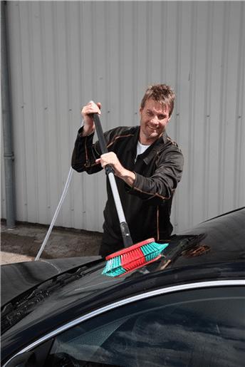 Četka s teleskopom za pranje automobila