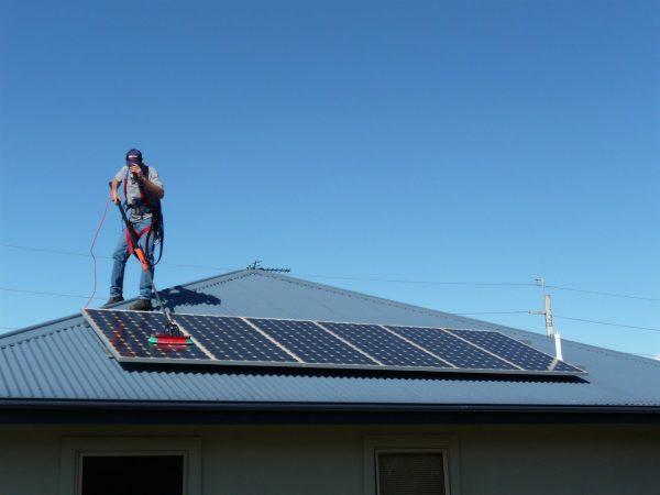 Četka za pranje solarnih panela